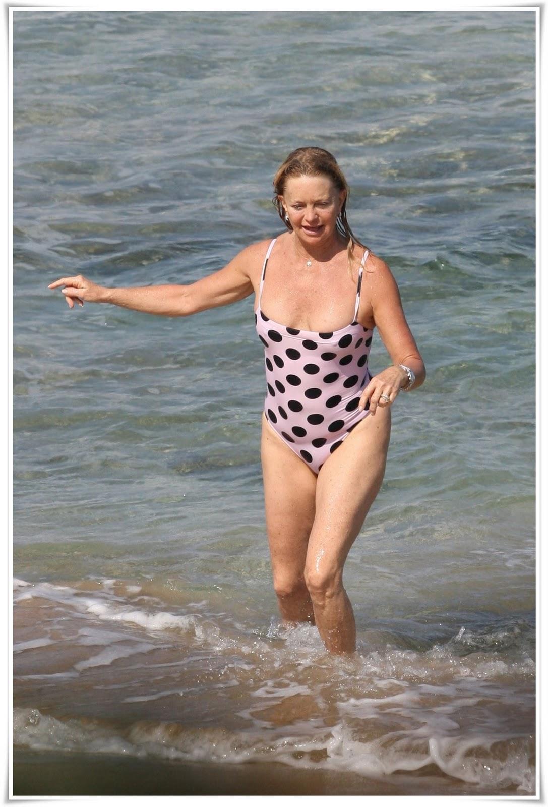 http://2.bp.blogspot.com/_cNo_aOISmn8/TFFG1dV683I/AAAAAAAAAHM/LATgXGueu6I/s1600/goldie_hawn_swimsuit_big.jpg