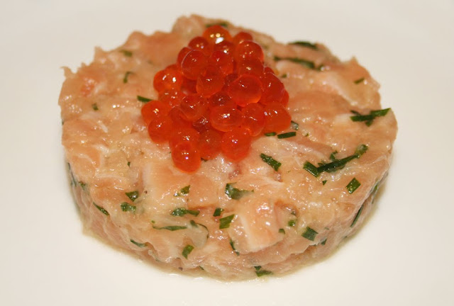 La cuisine de bernard tartare de saumon for Entree simple et rapide