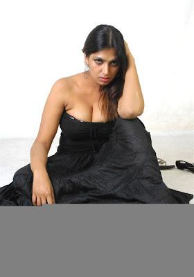 bhuvaneswari hotpics, bhuvaneshwari gallery, sexy actress bhuvaneswari, bhuvaneswari hot pics, bhuvaneswari pictures, bhuvaneswari stills