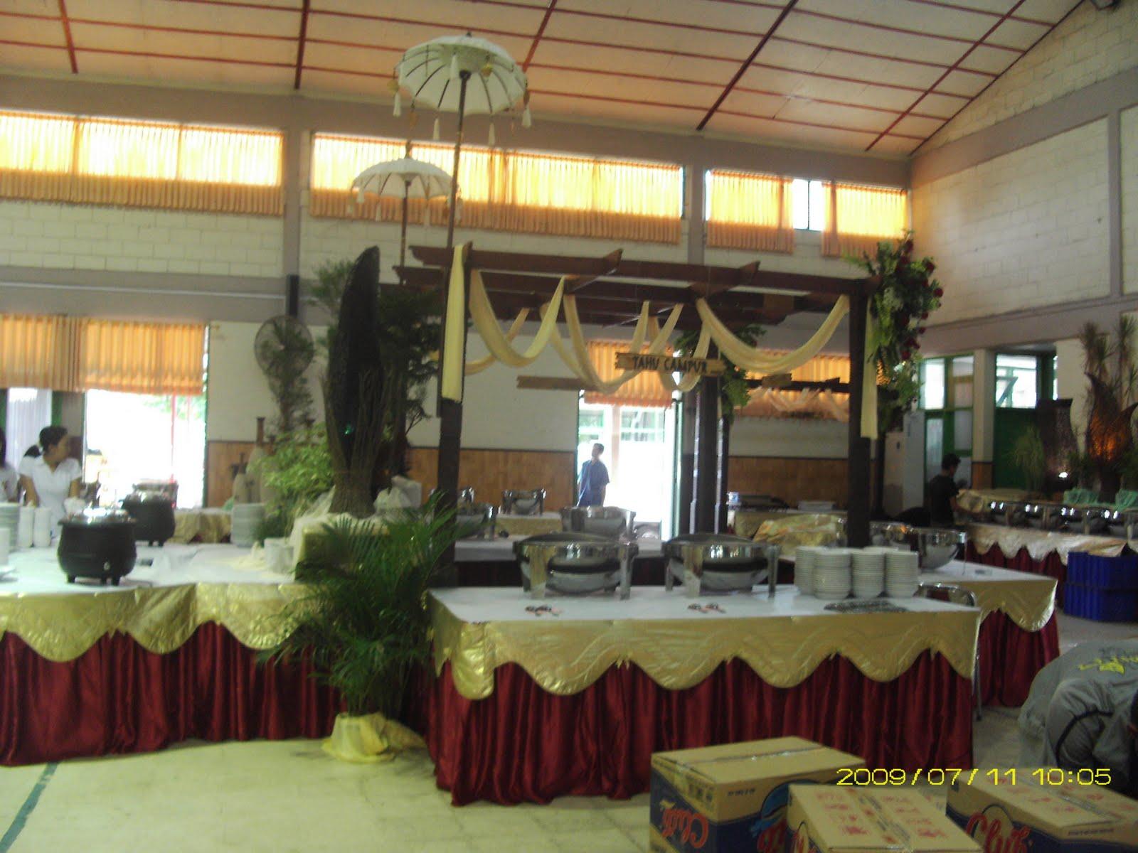 Dekorasi pelaminan kota malang dekorasi penataan pesta for Dekorasi party di hotel
