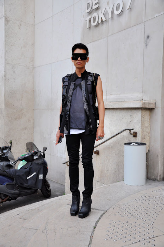 Marc Jacobs Fall 09 sunglasses MJ312/S as worn by Bryan Boy. Photo: Trendycrew