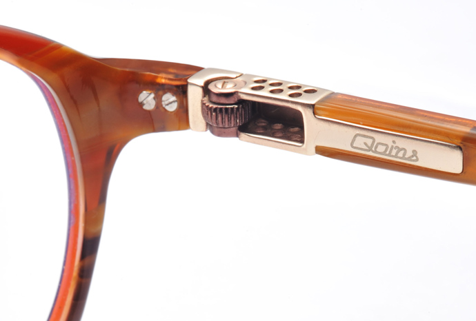 Gas lighter glasses - collectible luxury eyewear from Qoins