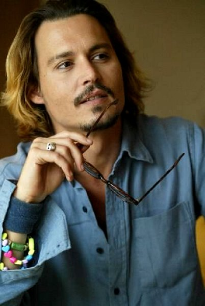 johnny depp short hair. haircut. Johnny Depp