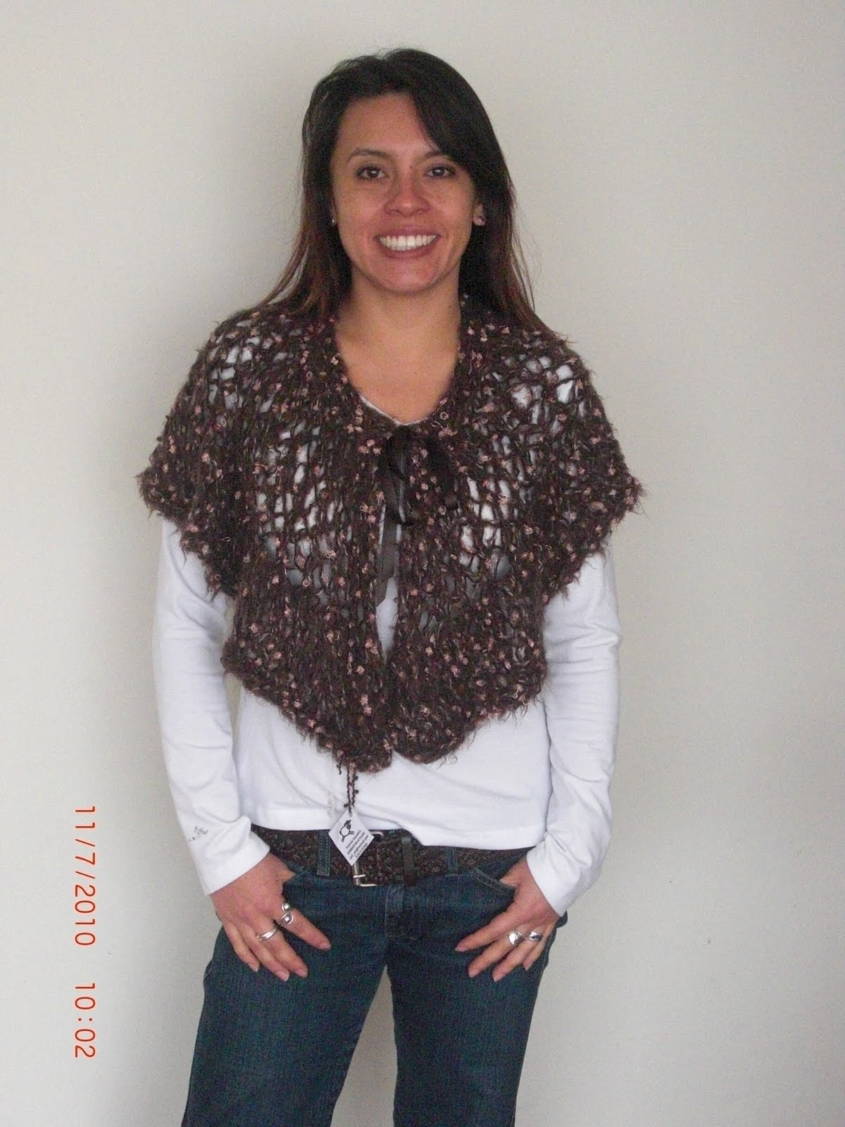 Capa tejida en dos agujas lana terciopelo, variedad de colores. $45 ...