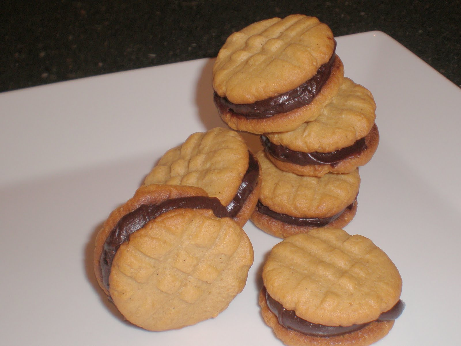 ... Gourmet: { Mini Peanut Butter and Chocolate Sandwich Cookies