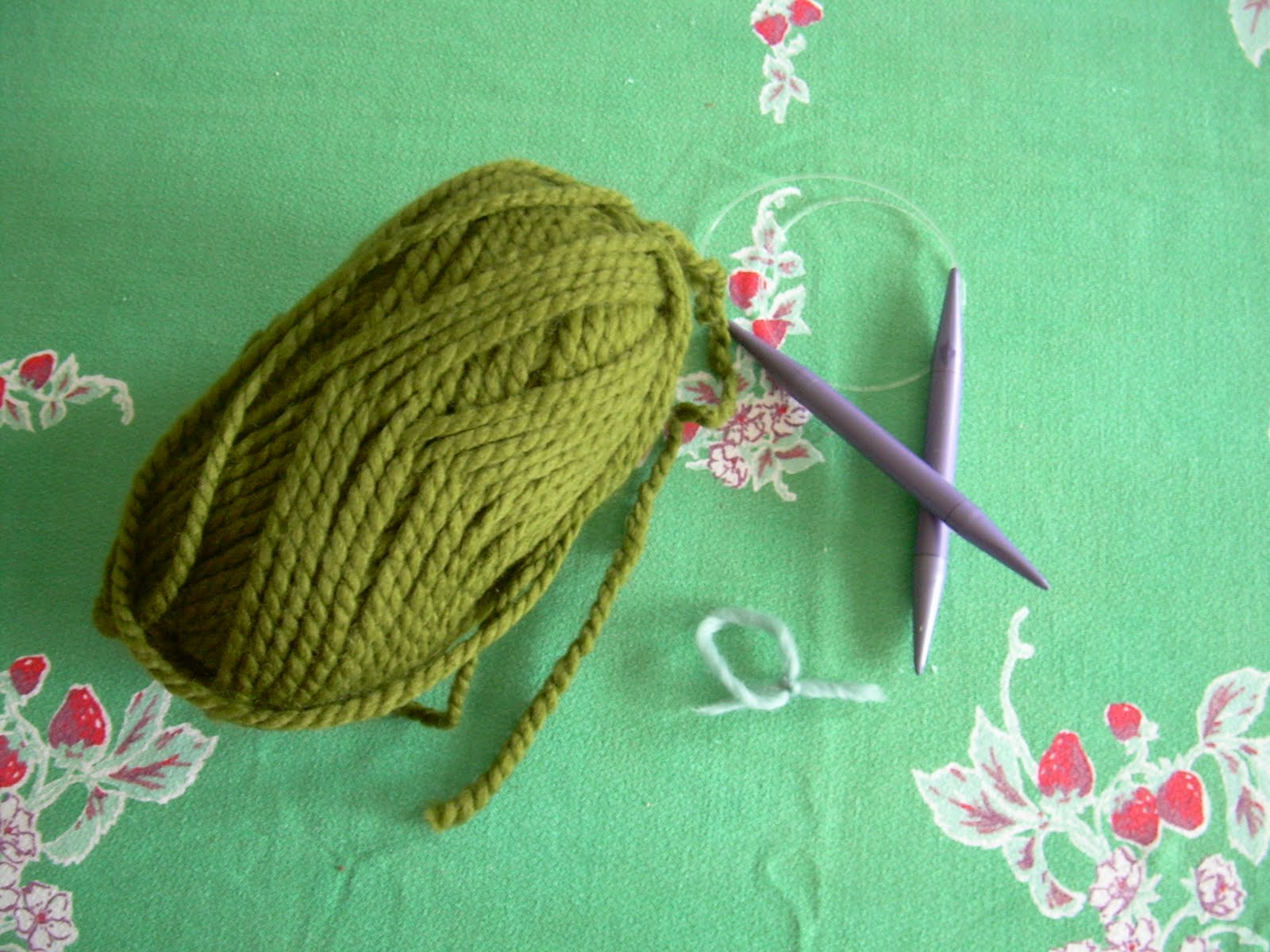 Smallest Friend: Knitting a Circle Scarf