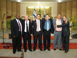 Conferencista Marcelo Melo e amigos na formatura do seminário ( CETEC ) Barra Mansa R/J.