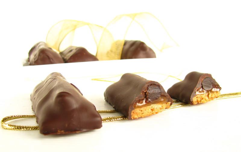 mushitza: Chocolate Salted Caramel Cookie Bars