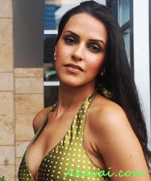 actress neha dhupia hot and sexy wallpapers pictures images stills
