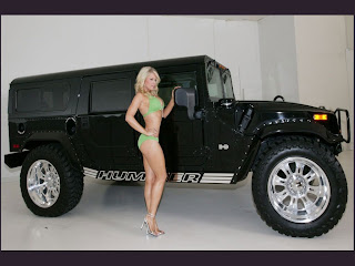 Hot Hummer Car and Girls
