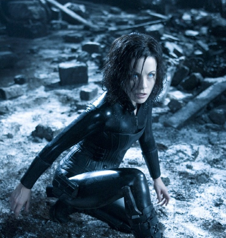 kate beckinsale underworld 2. Putting Kate Beckinsale