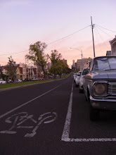 Melbourne: ville des fans de vieilles voitures et des cyclistes