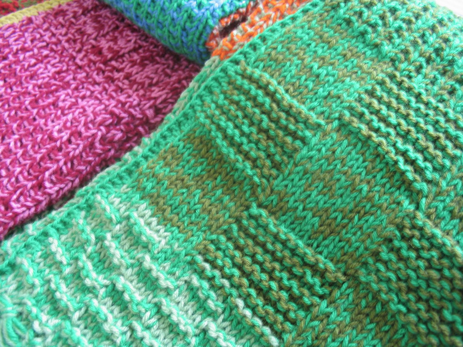 Puerta al sur abriga tu casa con una manta tejida a - Mantas a crochet ...