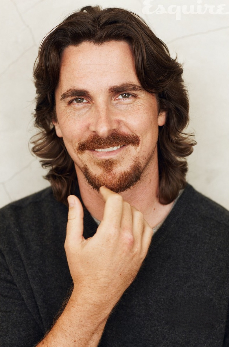 christian bale esquire december 2010 02 Gorgeous Christian Bale does his part to save print media.