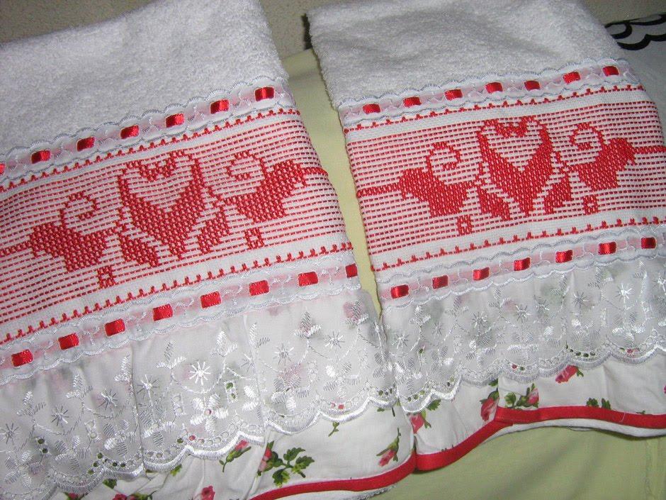Toalhas Bordadas Em Vagonite E Oitinho Golinhas De Crochet