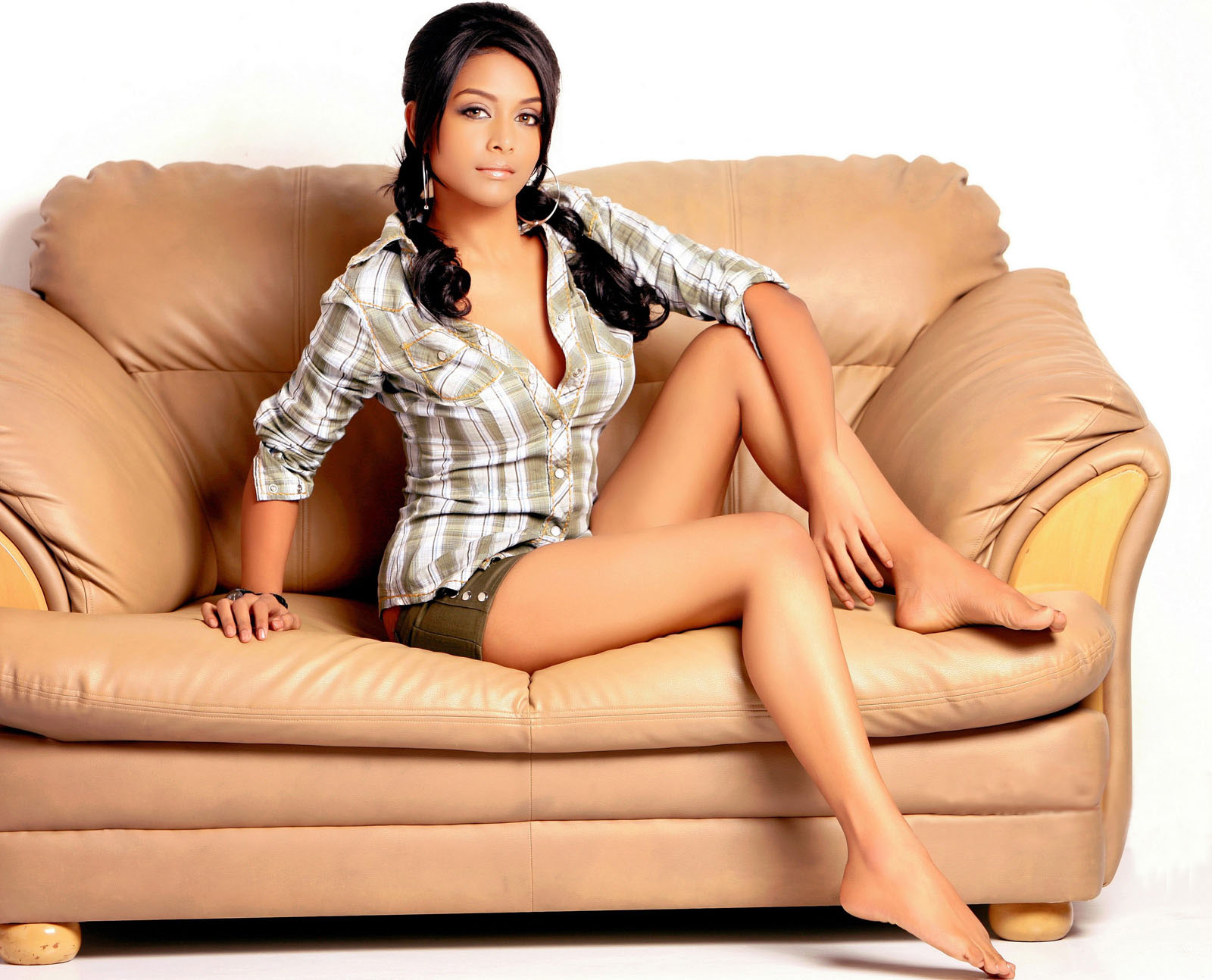 http://2.bp.blogspot.com/_cZuaghvCasw/TF7apdNMayI/AAAAAAAAJ3E/TvJ639EJLN8/s1600/Rachana-Parulkar-Wallpapers.jpg