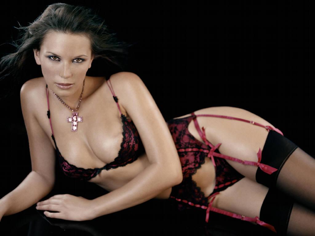 Lucy Clarkson Nude Photos 38