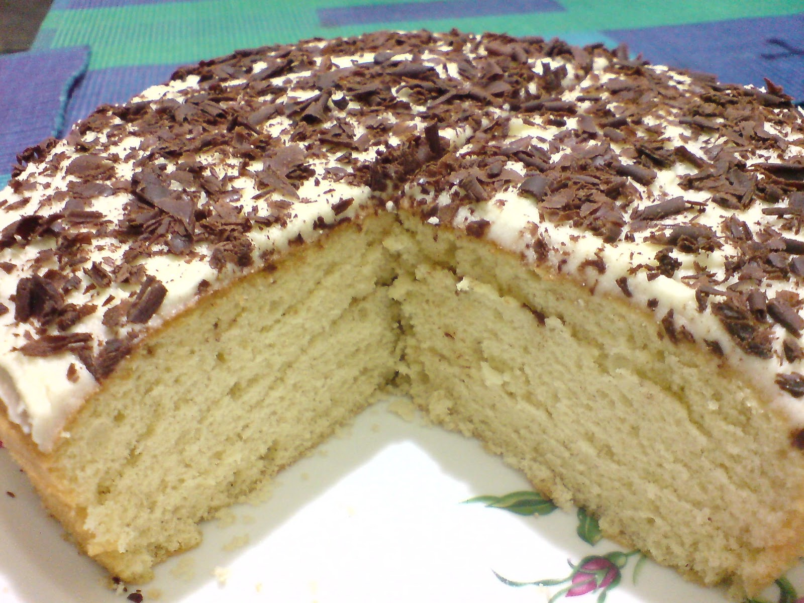 Sponge cake with butter icing recipe