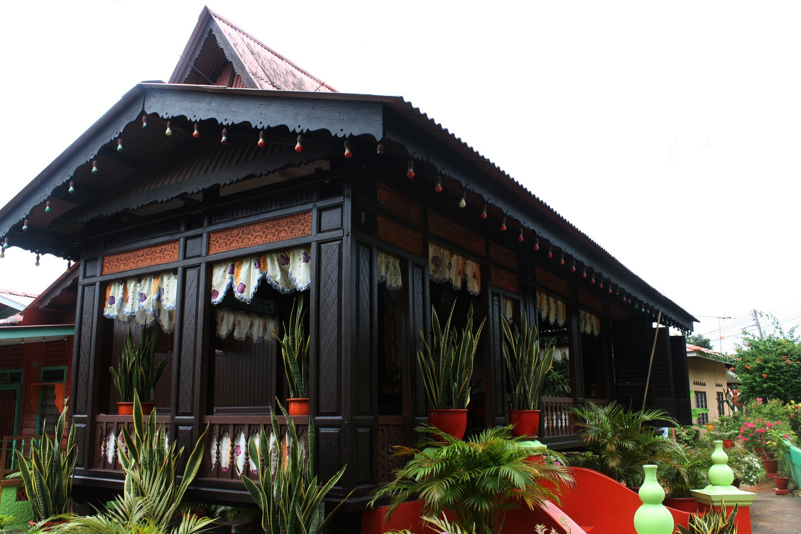 Kenapa Tidak Rumah Tradisional Melaka?