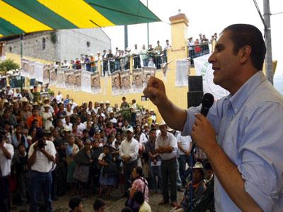 Moreno Valle dice que apoyará a defraudados por Coofia
