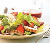 Weight Loss Recipes : Berry Mixed Green Salad with Grilled Chicken