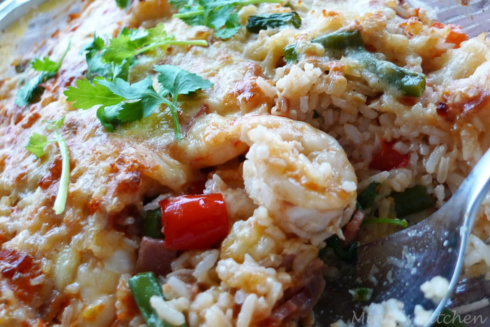 Minty's Kitchen: Cheesy Baked Rice With Prawns & Bacon