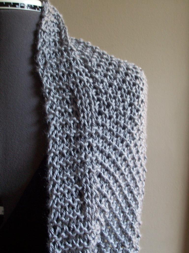 Moss Stitch Knitting Pattern Scarf : knit, crochet, & other fun stuff: knitted bliss... new moss stitch circle...