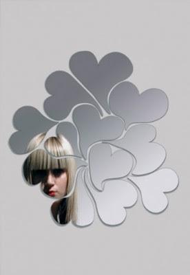 http://2.bp.blogspot.com/_cg_kIsa1gYI/SXSwN_HEQTI/AAAAAAAAAN0/p1xpwStIoe4/s400/espelhos_decorativos_1.jpg