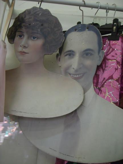 Clignancourt Vintage Store