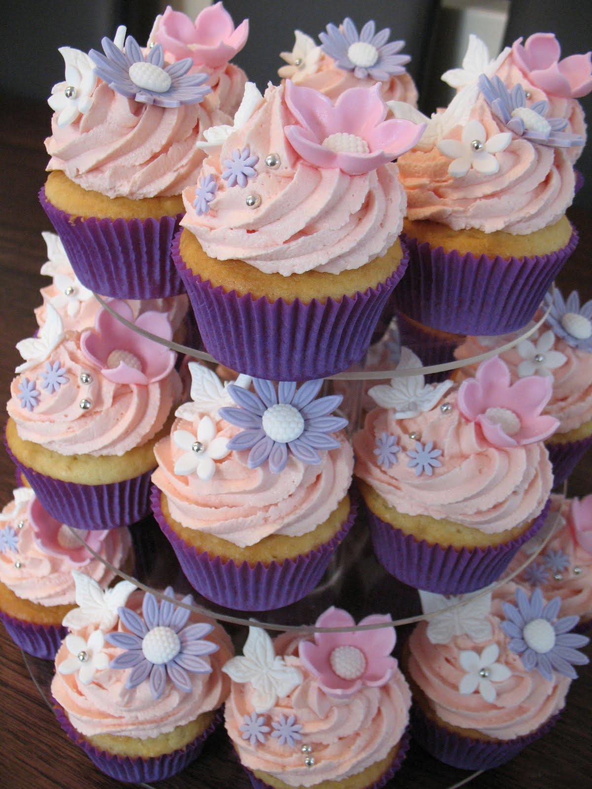 sandys cakes pink amp purple cupcakes