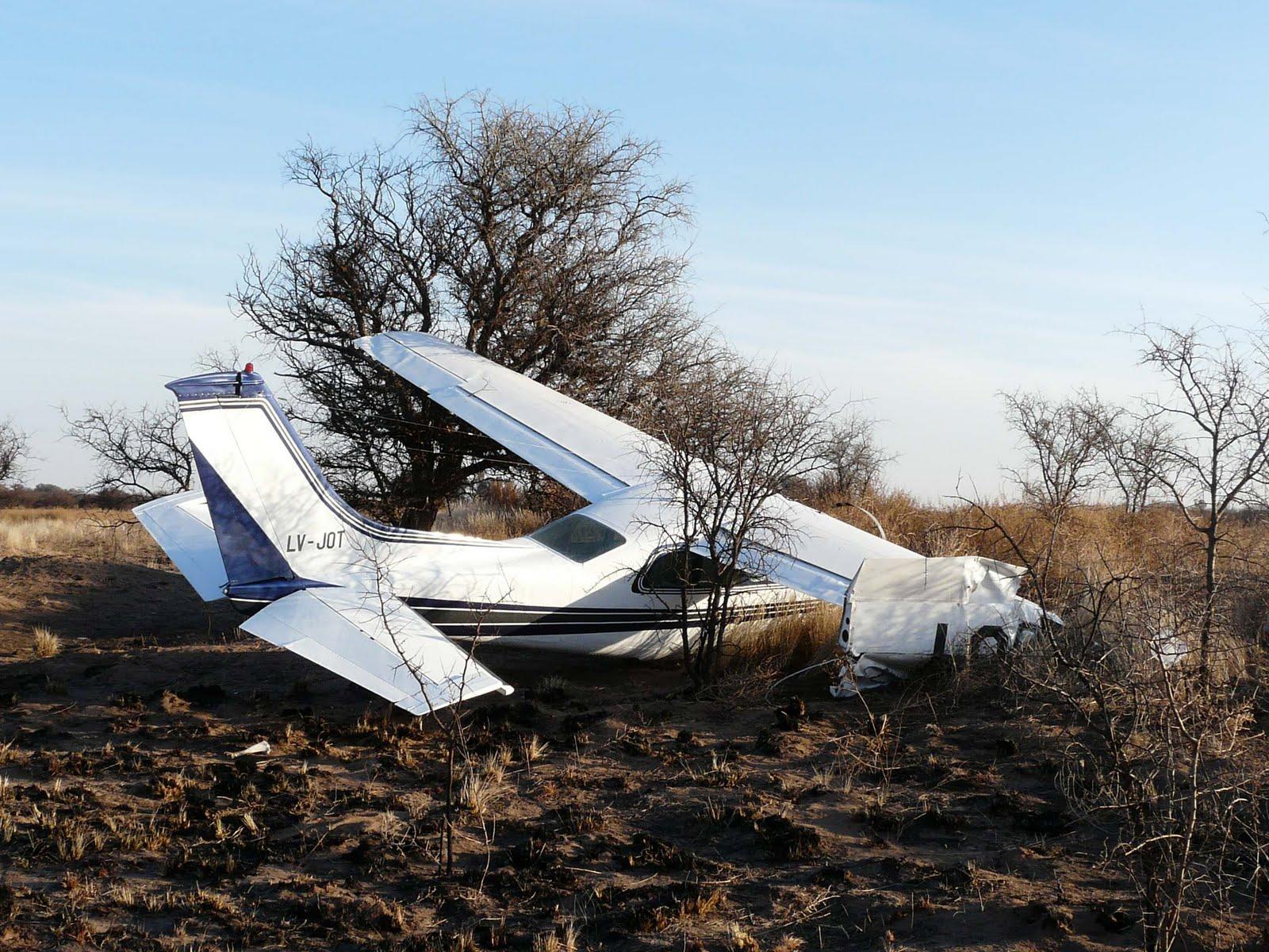 un accidente aéreo en el aeródromo sin servicios de tránsito aéreo ...