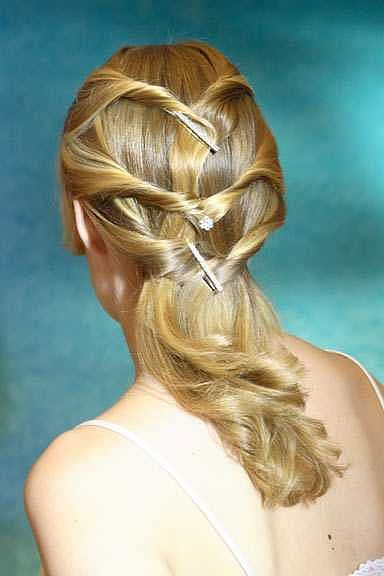 To create the perfect formal hairstyle there are many choices