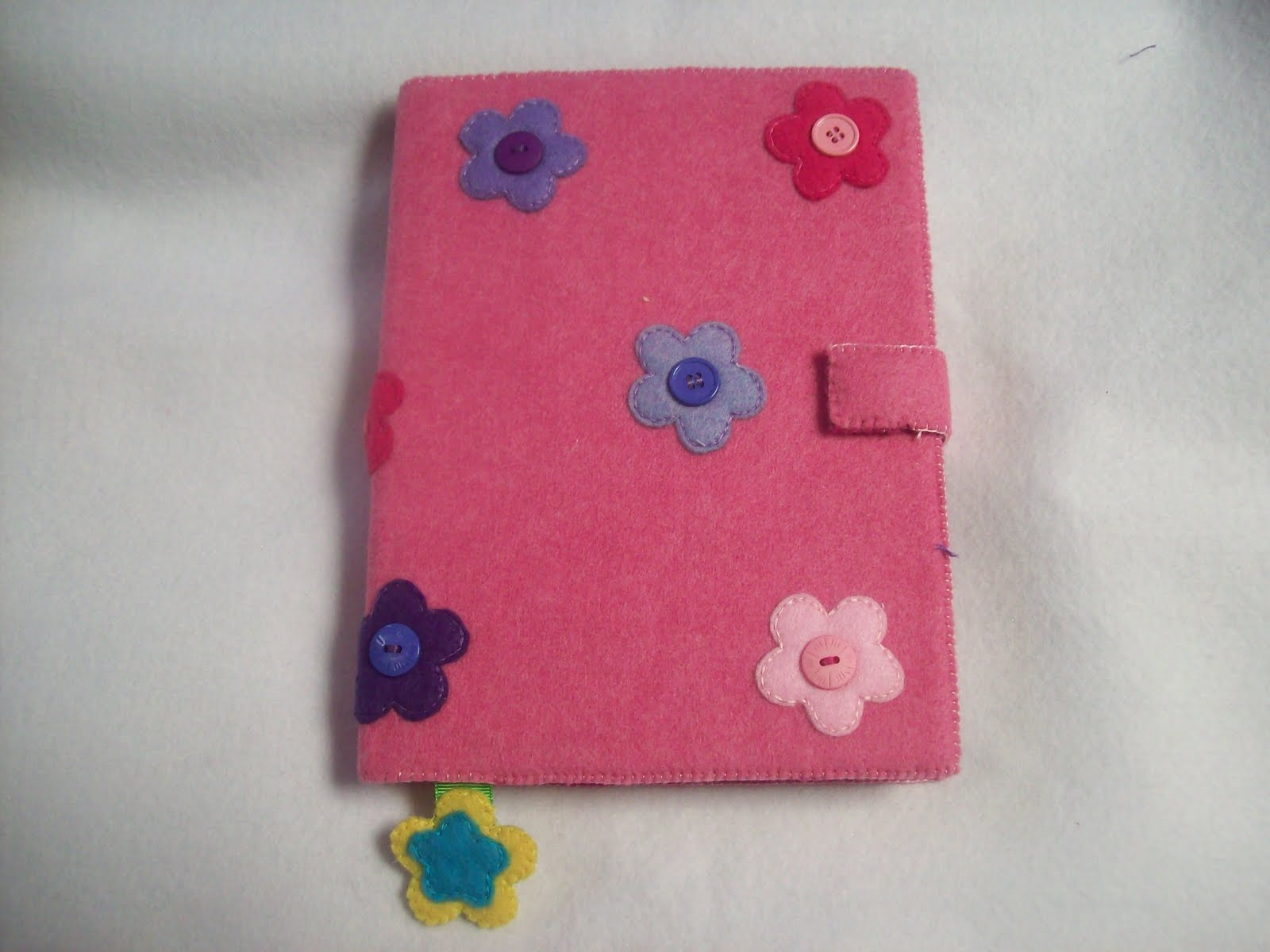 Shexeldetallitos blog de manualidades libreta flores y - Manualidades de botones ...