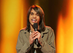 Photo of Sanjaya Malakar; image links to coverage of contestant's success on Yahoo video