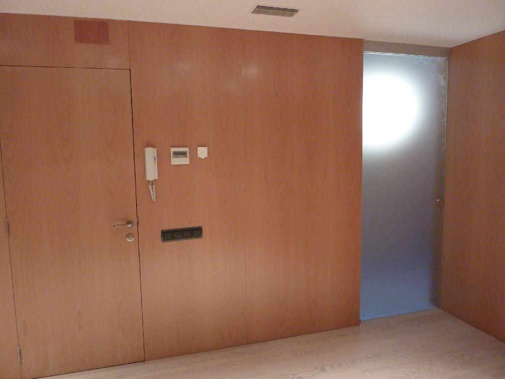 Carpinteria muebles a medida realizaci n de todos los for Aislar puerta entrada