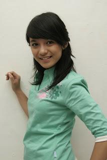 Chelsea Olivia Smile