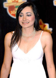 Dewi Rezer Sexy Pictures