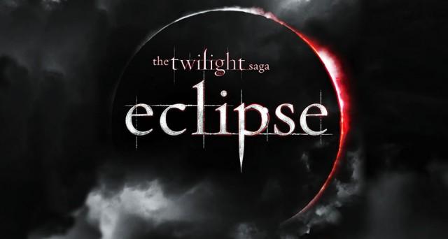 http://2.bp.blogspot.com/_cqJwIdyz4qE/TAbGWC25i6I/AAAAAAAAEnA/sS6aYv1qlJI/s1600/data-de-estreia-de-eclipse-crepusculo-twilight-outracoisa-640x342.jpg