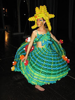 weird dress baloon make over