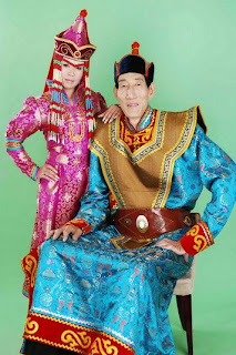 Bao Xishun was born in Inner Mongolia. His tall is 236 centimeters (7 ft 8.95 in) by Chifeng City Hospital