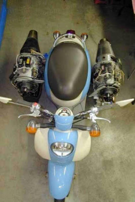 scooter that equipped with turbine jet