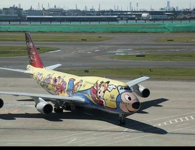 moving adverting plane
