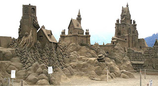 children should not allowed or should be with parent when viewing this sand sculpture
