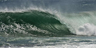 free call wave on big wave surf