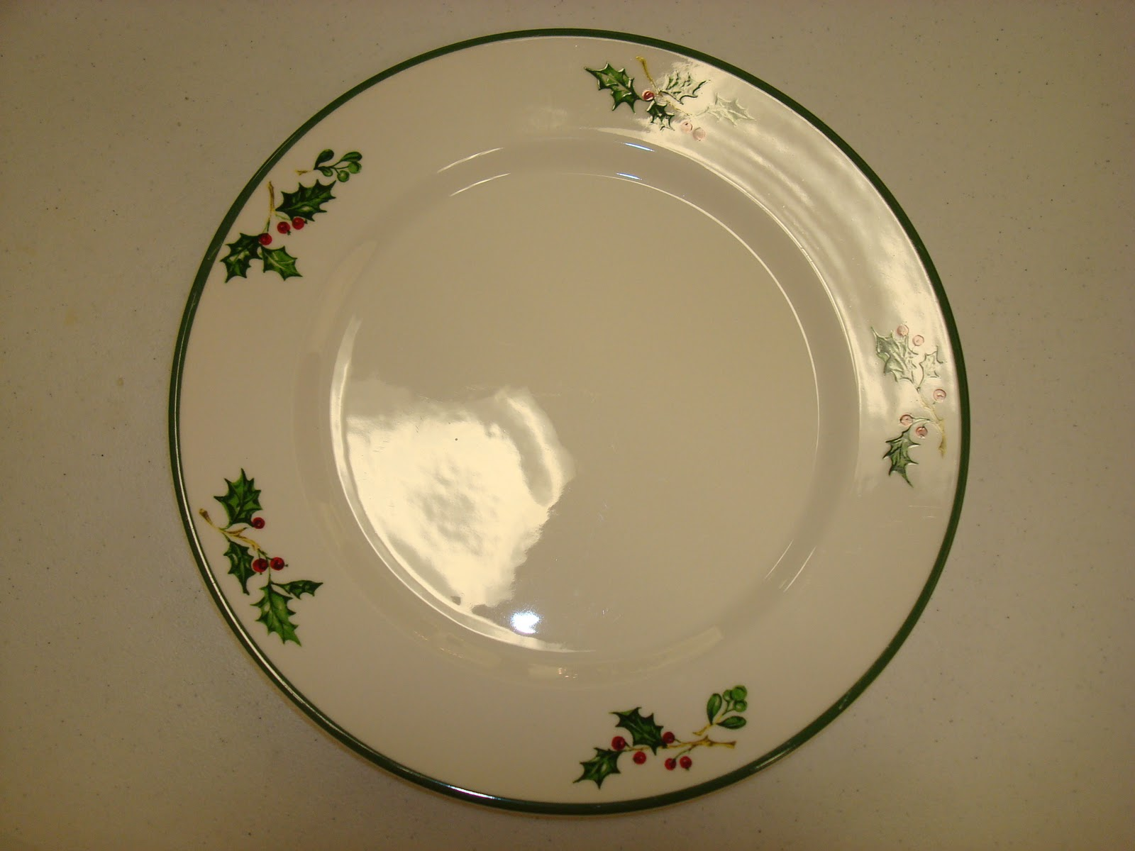 IC Church Auction - 2010: Christmas Plates (8)