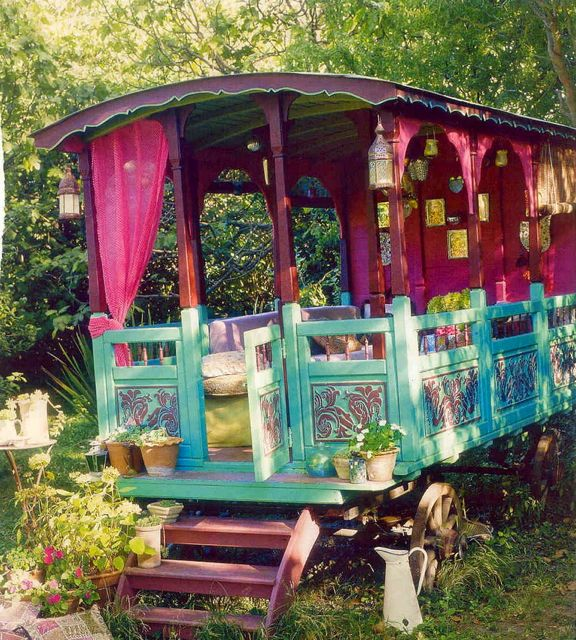 Light Color Sound Gypsy Caravan
