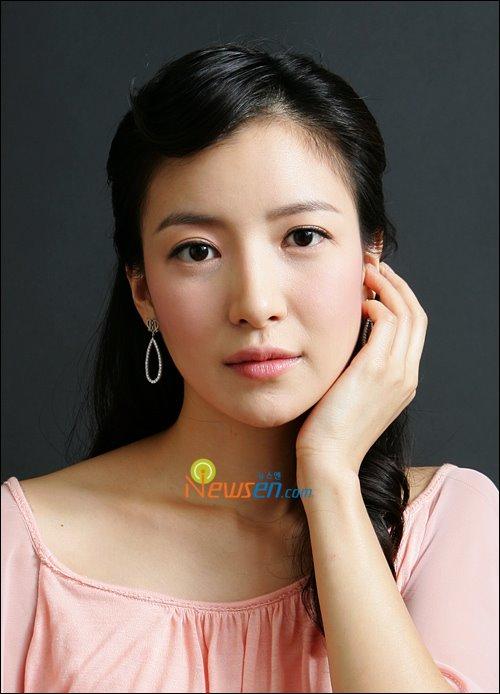 [Yoon+Se+Ah+1.jpg]