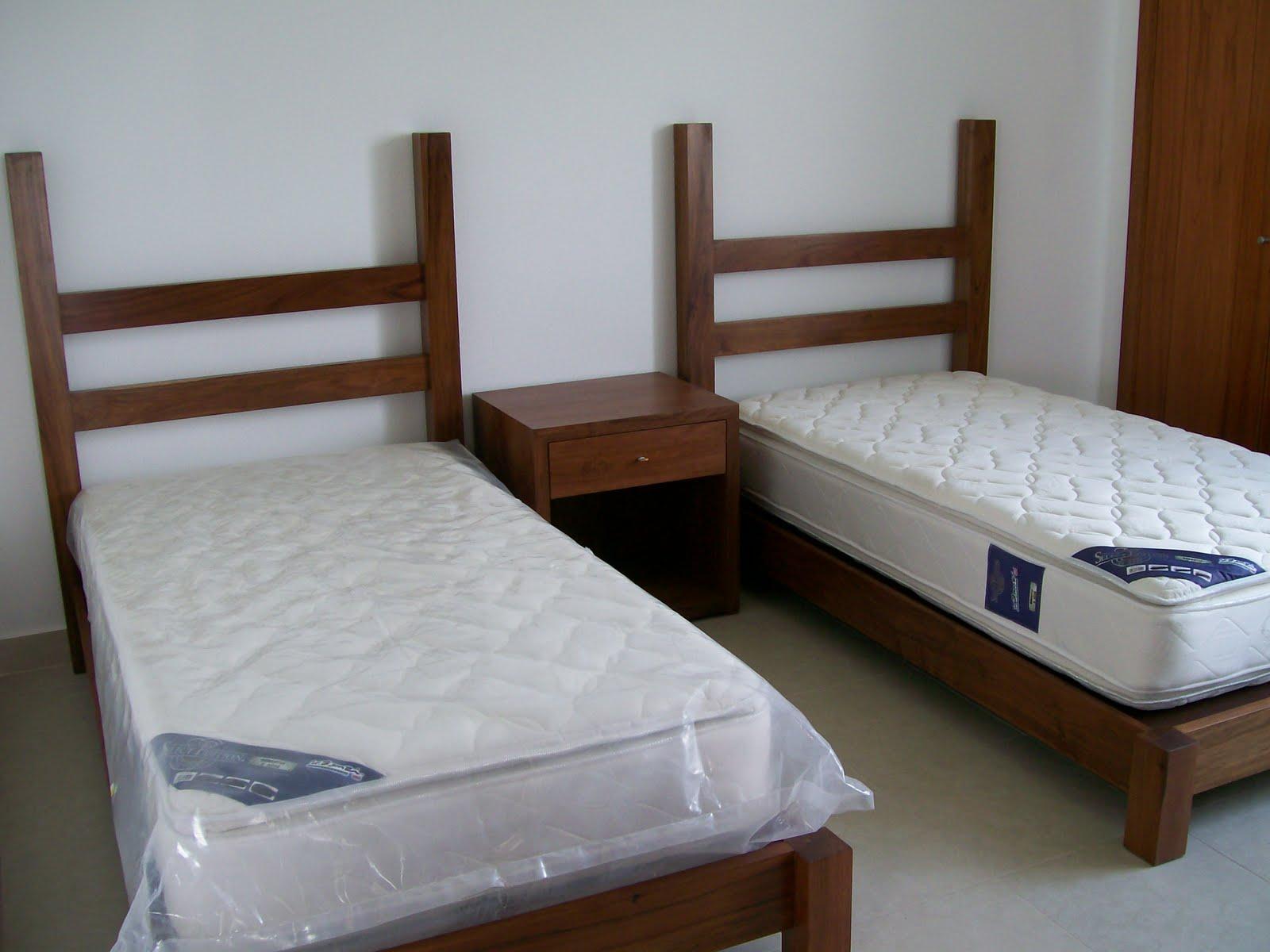 Camas gemelas individuales, fabricadas en madera solida de
