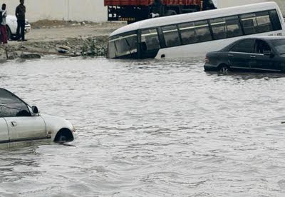 Sharjah Municipality installs dams to combat flooding