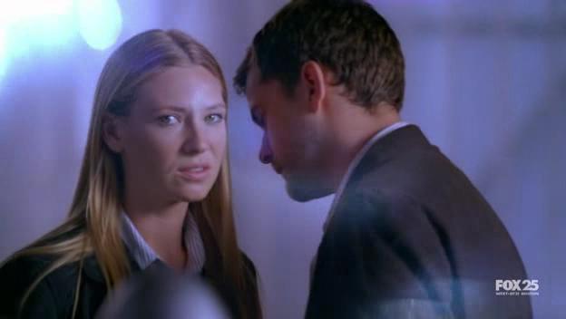 1x04 The Arrival La+4